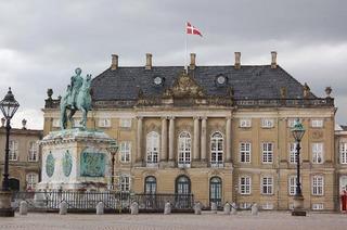 amalienborg-palace.jpg